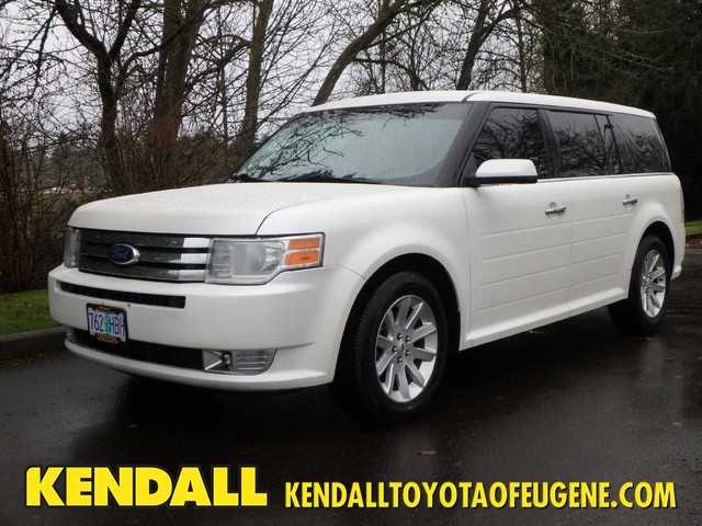 Pre-Owned 2011 Ford Flex SEL