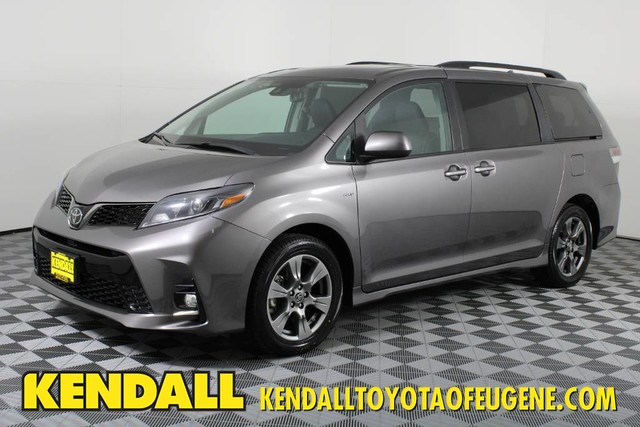 Certified Pre-Owned 2020 Toyota Sienna SE Premium