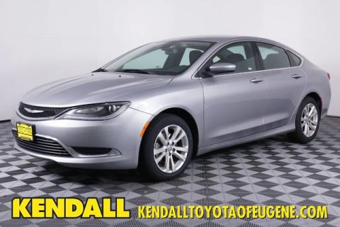 Pre-Owned 2015 Chrysler 200 Limited Front Wheel Drive Sedan